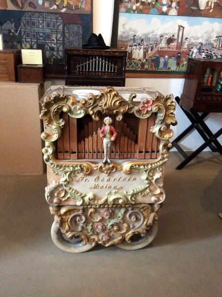 Street organ, 10-18-14