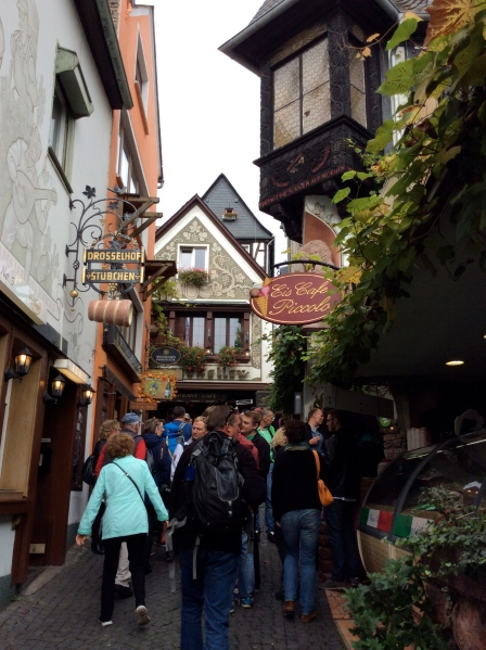 Another photo of the Drosselgasse in Rüdesheim, 10-18-14