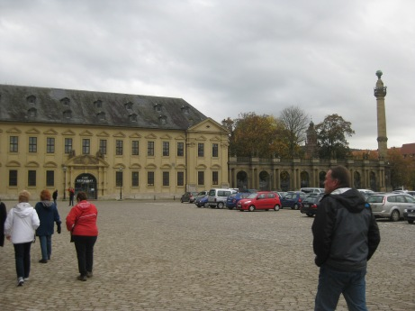Residenz Café and entrance to Gardens (Bill in foreground), 10-20-14