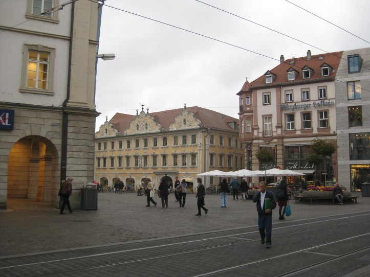 Another photo of the Falcon House (Haus zum Falken) in the market square, 10-20-14