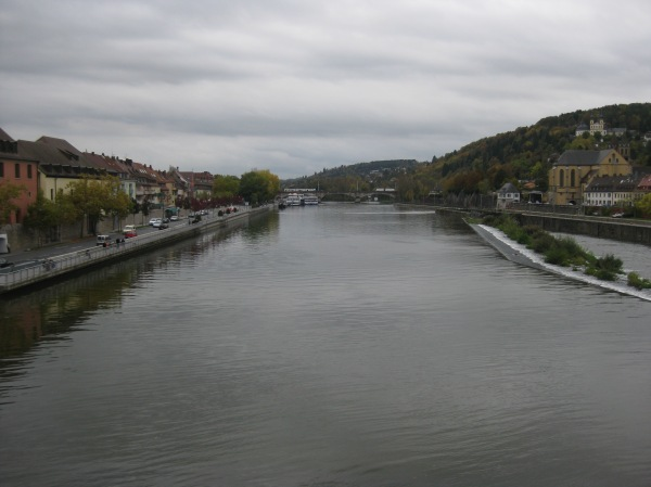 View of the Main River from the bridge, 10-20-14