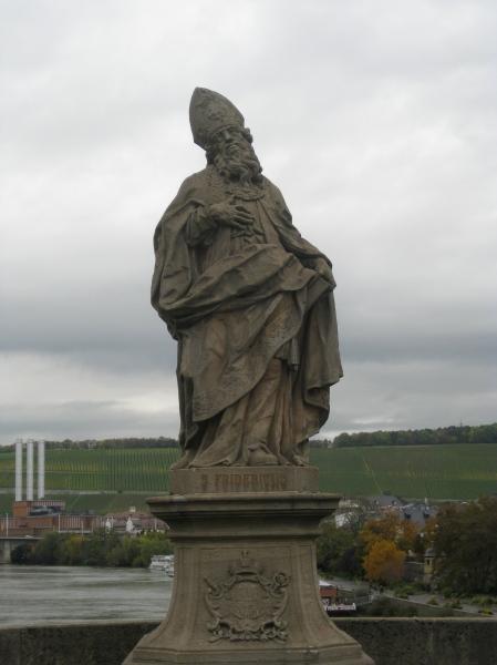 jjjj statue on the bridge, 10-20-14