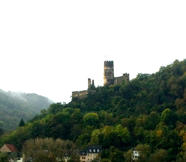 Sooneck Castle, near the village of Niederheimbach, 10-18-14