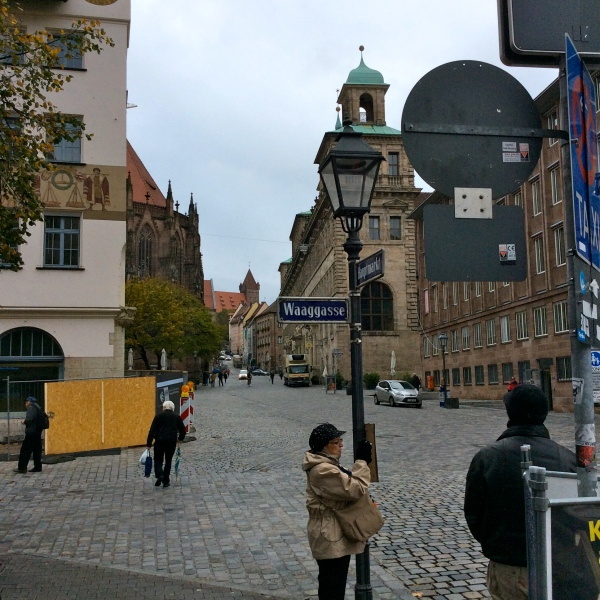 We saw the Wolffscher Bau (Old City Hall, bldg. with green roofs) on the way to the Hauptmarkt, 10-22-14