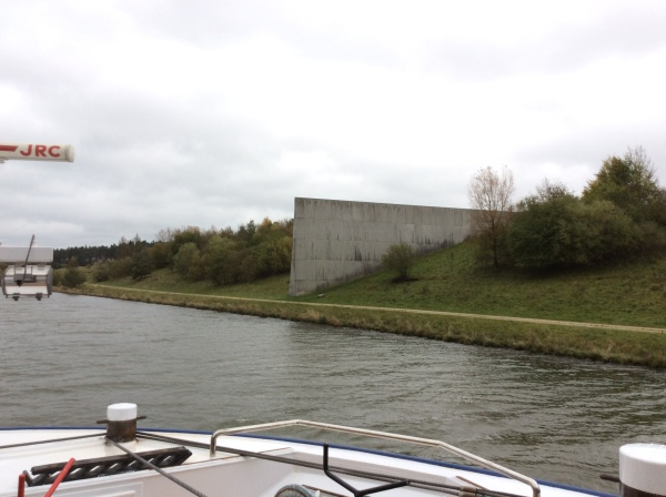 Approaching the Continental Watershed wall, 10-22-14