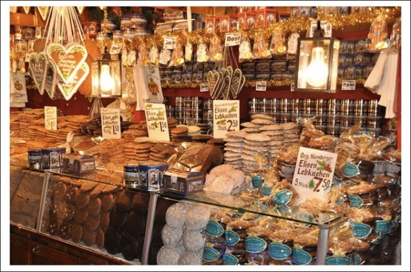 Store in Nuremberg carrying German gingerbread (photo by rikkidonovan.com)