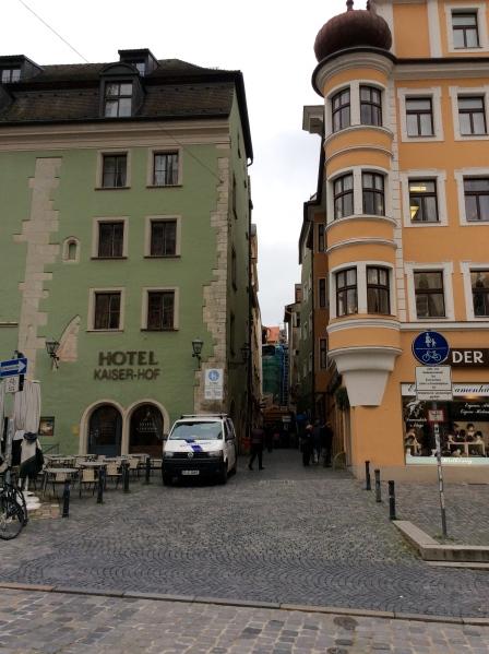 Hotel Kaiser-Hof on the left, & Hutkönig on right, 10-23-14