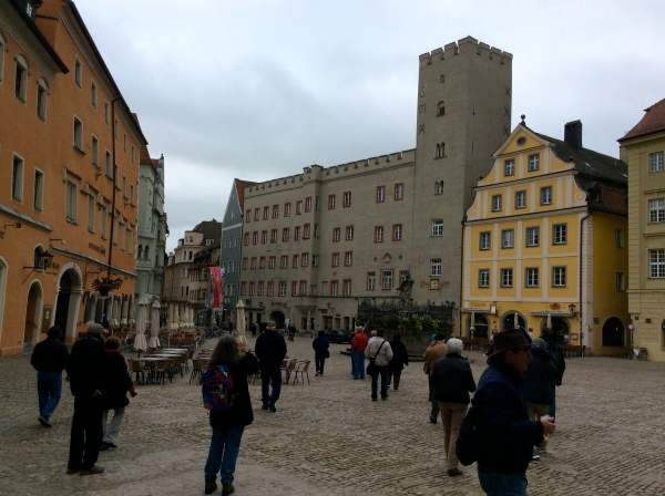 The Golden Cross restaurant & the Thon-Dittmer Palace (with tower), 10-23-14