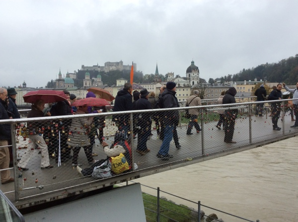 The Staatsbrücke (a Gypsy woman is begging on the bridge), 10-24-14