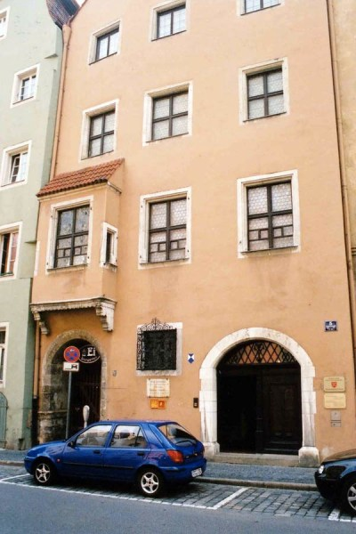 The front side of Johannes Kepler's house, (photo from travel-wonders.com)