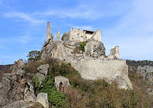 A closer view of the castle (photo from Wikipedia.org)