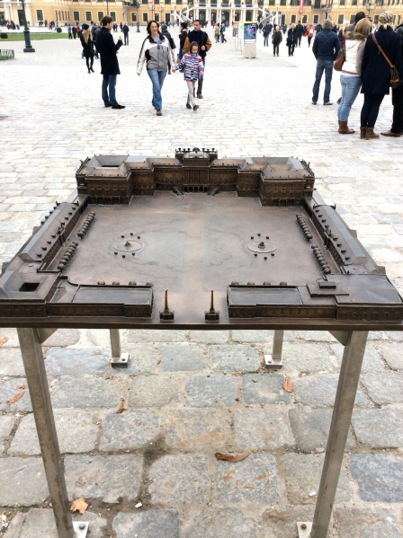 A bronze model of the palace and courtyard (10-26-14)