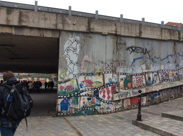 Schoolchildren's graffiti on the wall near the Memorial (10-27-14)