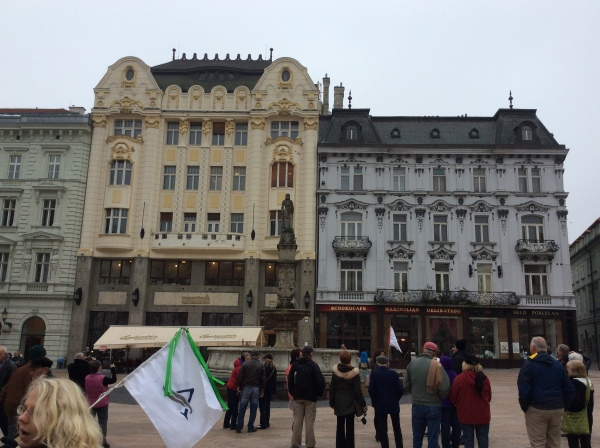 A better photo of the Hungarian Exchange Bank (yellow) & the Palugyay Palace to the right, (10-27-14)