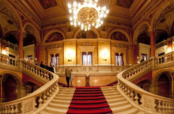 The beautiful grand staircase of the Opera House (photo on pinterest.com)