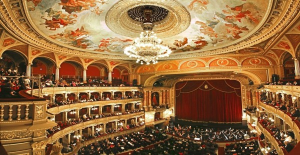 The beautiful auditorium of the Opera House (photo from thoroughlymodernmilly.com)